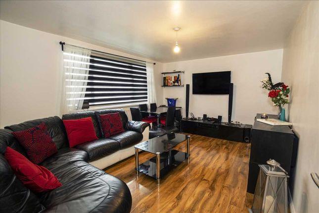Thumbnail Flat for sale in Ellis Road, Old Coulsdon, Coulsdon