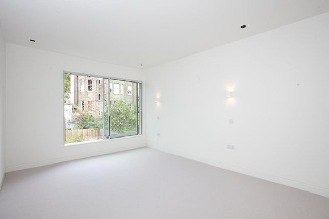 3Y6A0746 of Harfield Gardens, Grove Lane, Camberwell SE5