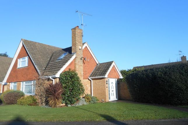 Thumbnail Bungalow to rent in Brackenforde, Langley, Slough