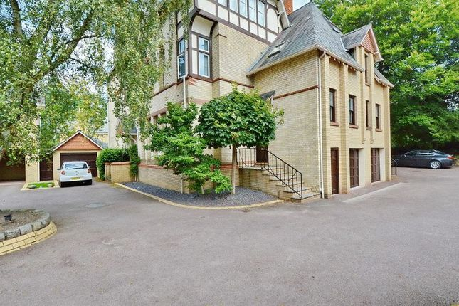 Thumbnail Flat to rent in St. Margarets Road, Bowdon, Altrincham