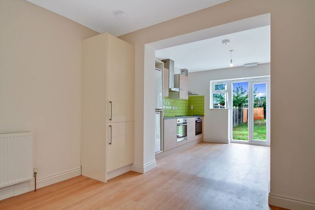 Thumbnail Detached house to rent in Ragstone Road, Berkshire