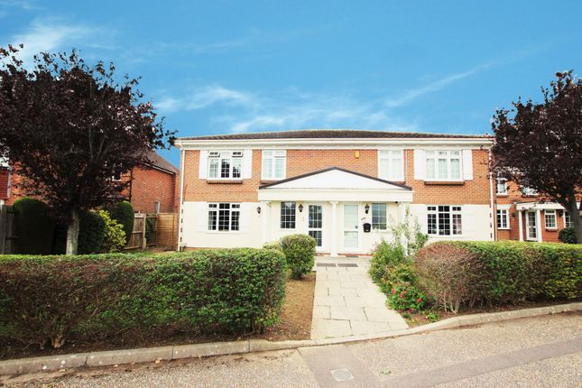 2 bed flat to rent in Ravenswood Court, Church Road BN13