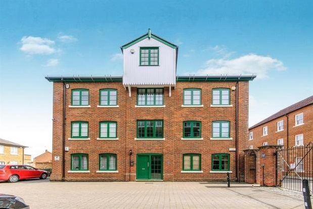 2 bed flat to rent in Holters Mill, The Spires, Canterbury
