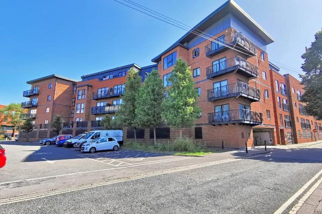 2 bed flat to rent in Newport Street, Worcester WR1