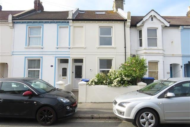 Thumbnail Property to rent in Becket Road, Worthing