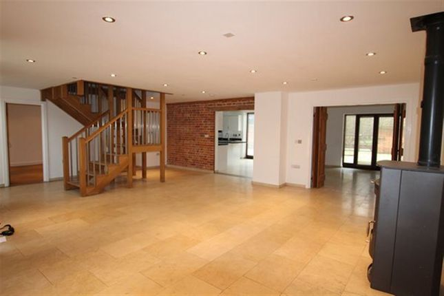 Thumbnail Barn conversion to rent in The Common, Dunston, Norwich