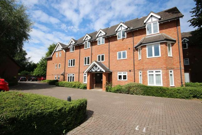 Thumbnail Flat to rent in Lefroy Park, Fleet, Hampshire