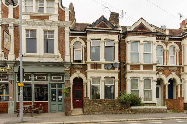 Thumbnail Property to rent in Grove Green Road, Leytonstone