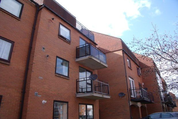 Thumbnail Maisonette to rent in Ferry Road, Southsea