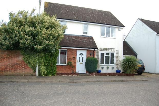 3 bed detached house to rent in Dovedale Close, Ramsden Heath