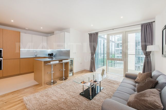 2 bed flat to rent in Juniper Drive, London