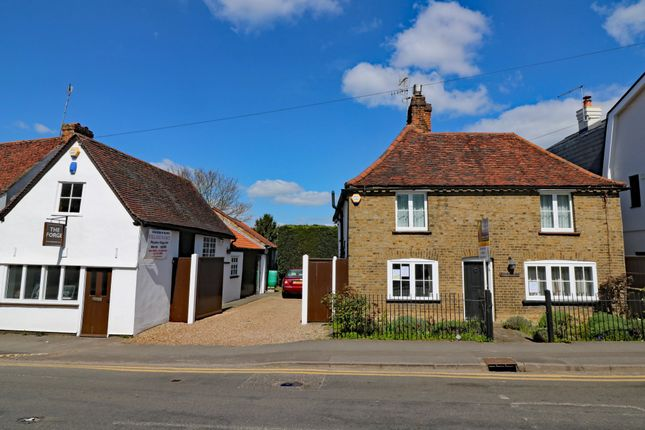 Thumbnail Detached house for sale in Harlow Road, Roydon, Harlow