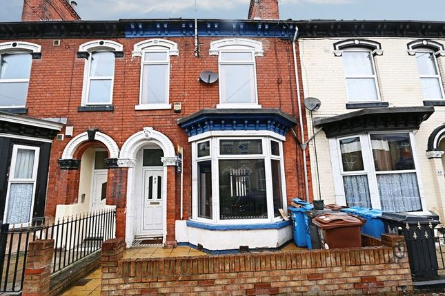 Thumbnail Terraced house for sale in Park Grove, Princes Avenue, Hull