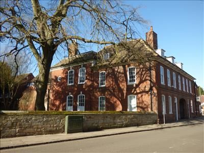 Office to let in 70 High Street, Huntingdon, Cambs