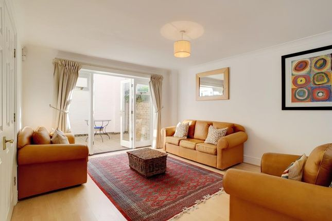 Thumbnail Property to rent in Rush Hill Mews, Clapham