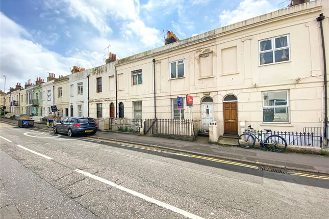 6 bed terraced house to rent in Viaduct Road, Brighton, East Sussex BN1