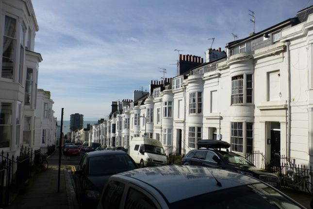 Thumbnail Flat to rent in Student House - Montpelier Street, Brighton