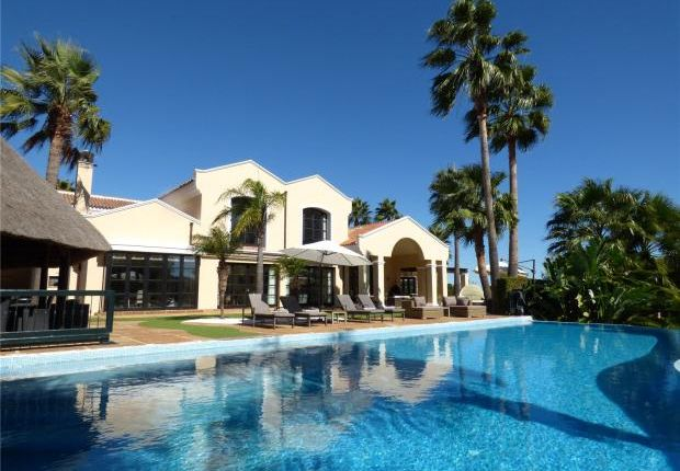 Thumbnail Property for sale in Sotogrande Alto, Sotogrande, Andalucía, Spain
