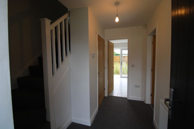 4 bedroom semi-detached house for sale in White Lane, Thorne