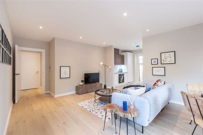 Thumbnail Flat for sale in Avenue Road, London