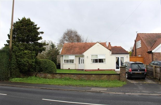 Thumbnail Bungalow for sale in Cottage Lane, Ormskirk