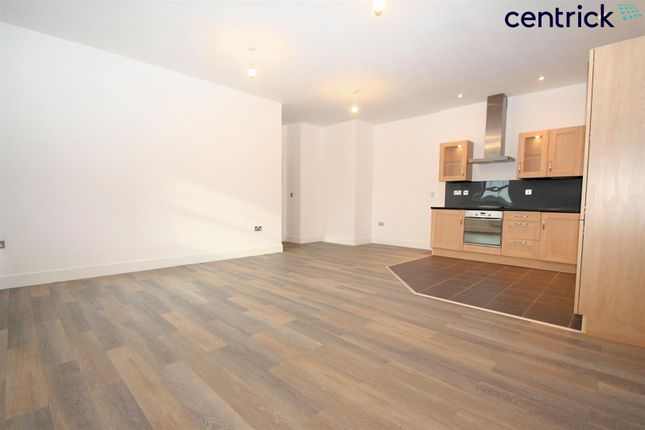 Thumbnail Flat to rent in Alder Meadow, Chase Meadow Square, Warwick
