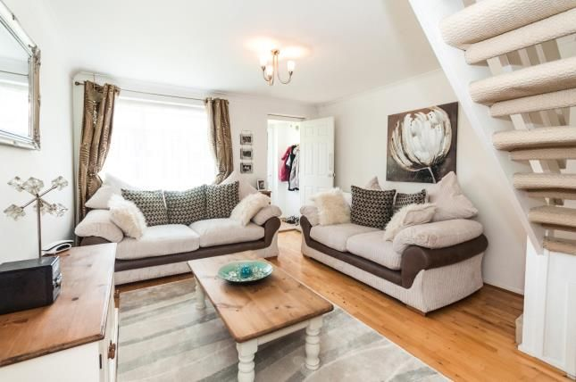 Thumbnail Property for sale in Kingsley Road, Horley, Surrey, Horley
