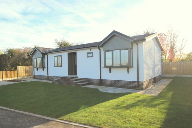 Thumbnail Mobile/park home for sale in Edkins Park, Aston Cantlow Road, Wilmcote