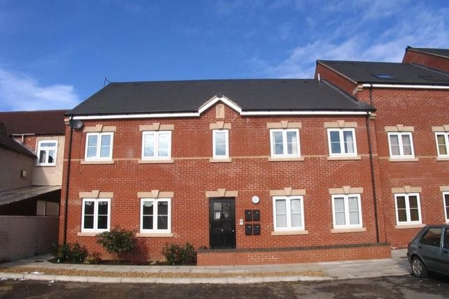 Thumbnail Flat to rent in Hawthorn Road, Kettering