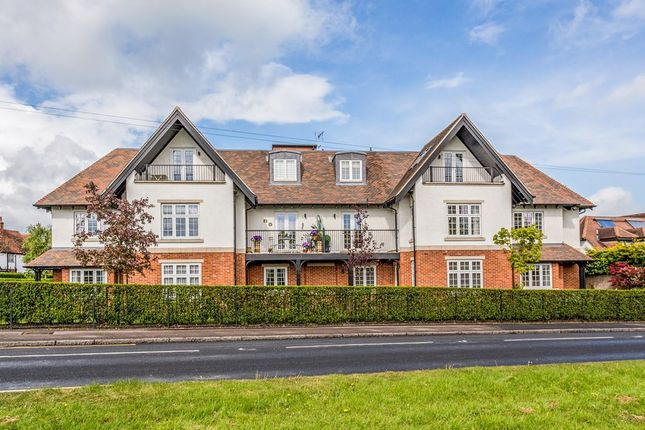 Thumbnail Flat for sale in Orchard Drive, Theydon Bois, Epping