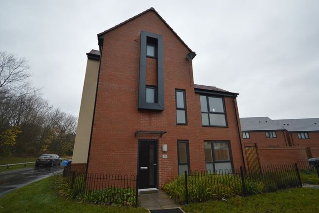 Thumbnail Detached house to rent in Bridle Walk, Donnington, Telford