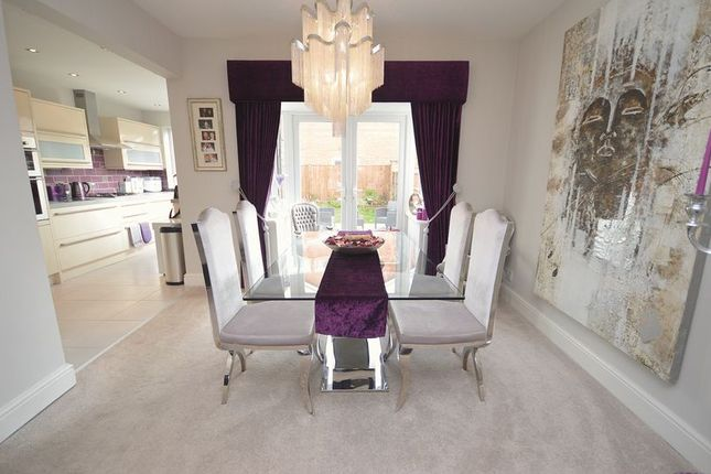 3 bed semi-detached house for sale in Norlands Lane, Widnes