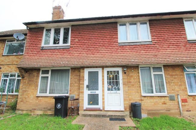 2 bed flat for sale in Heath Close, Harlington UB3