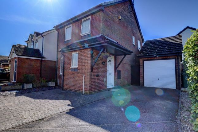 Thumbnail Detached house to rent in Chiltern Ridge, Ibstone Road, Bucks