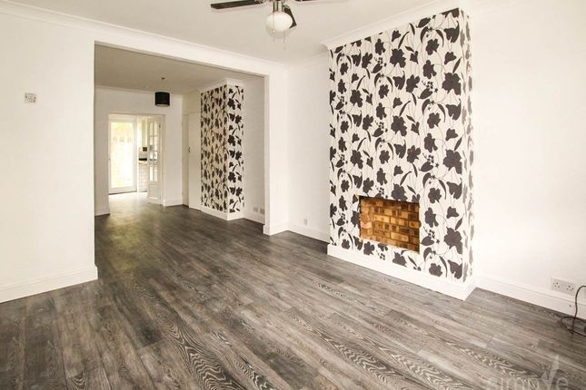 Thumbnail Property to rent in Halsway, Hayes, Middlesex