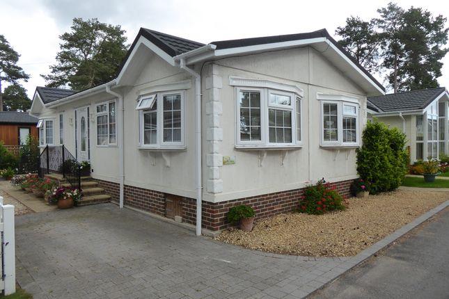 Thumbnail Mobile/park home for sale in Lone Pine Park, Ferndown, Dorset, 8Nf