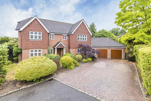 Thumbnail Detached house to rent in Simmons Gate, Esher