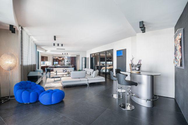 Open Plan Living Area - Apt 1601 - Porsche Design Tower Miami