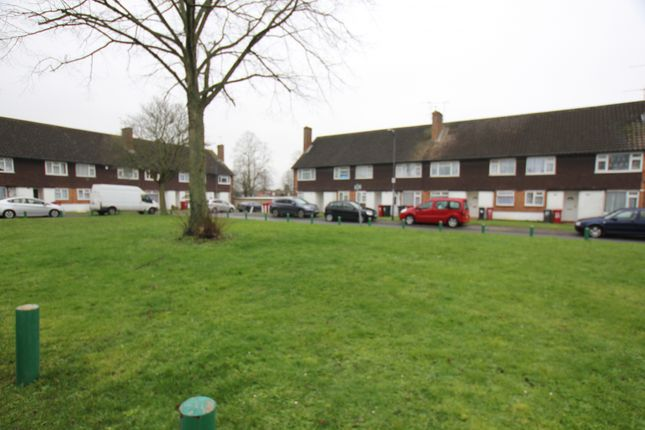 Thumbnail Maisonette to rent in Wylands Road, Langley, Slough