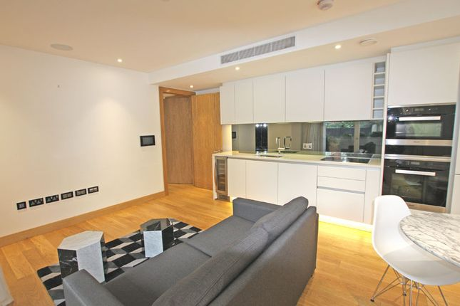 Thumbnail Flat for sale in Courthouse, Horseferry Road, London