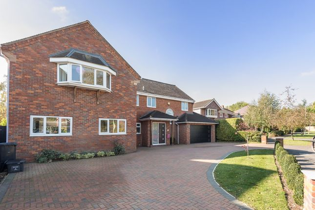 Thumbnail Property to rent in The Chowns, Harpenden