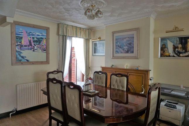 Dining Room of Khartoum Road, London E13