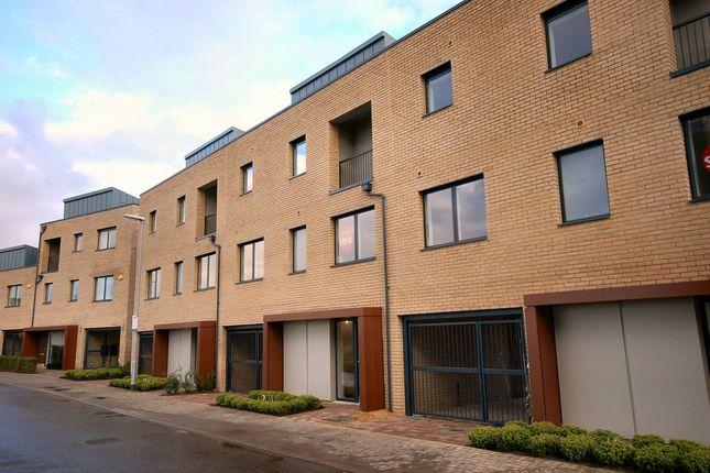 Thumbnail Town house to rent in 7 Glebe Farm Drive, Great Kneighton, Cambridge