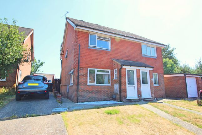 Thumbnail Property for sale in Picardy Close, Battle