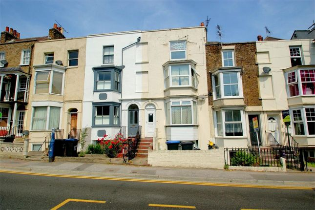 1 Bed Flat To Rent In West Cliff Road Ramsgate Ct11 Zoopla