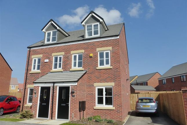 Thumbnail Property to rent in Clovelly Drive, Hampton Gardens, Peterborough