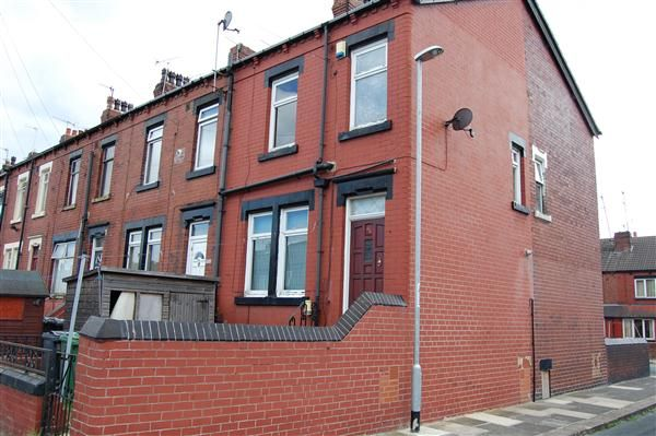 Thumbnail Terraced house for sale in Longroyd Avenue, Leeds