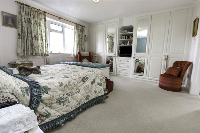 Picture No. 17 of Carisbrooke Court, Romsey, Hampshire SO51