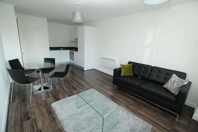 Flat to rent in The Strand, Liverpool