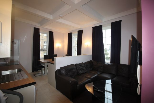 5 bed flat to rent in St James' Street, Newcastle